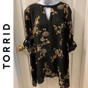 Torrid Tunic Black Multi Floral Print Top-Size 2